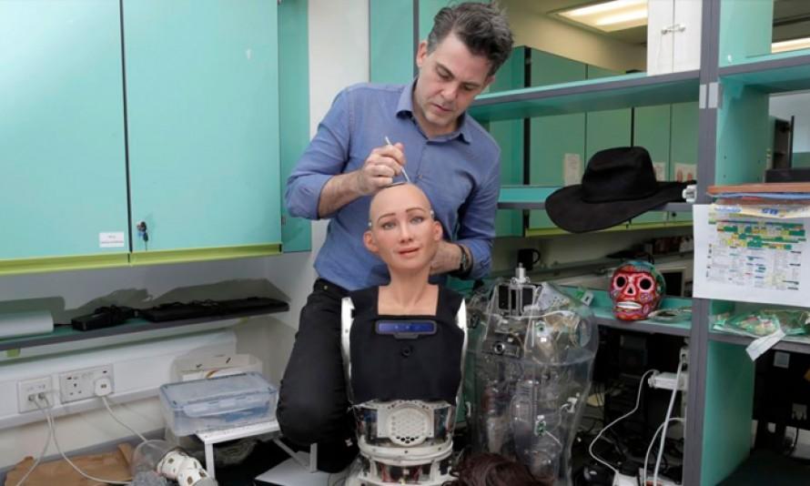 """ผู้เชี่ยวชาญชี้ """"หุ่นยนต์อัจฉริยะ"""" ในปัจจุบัน ยังห่างไกลกับหุ่นยนต์ที่เห็นในหนัง"""